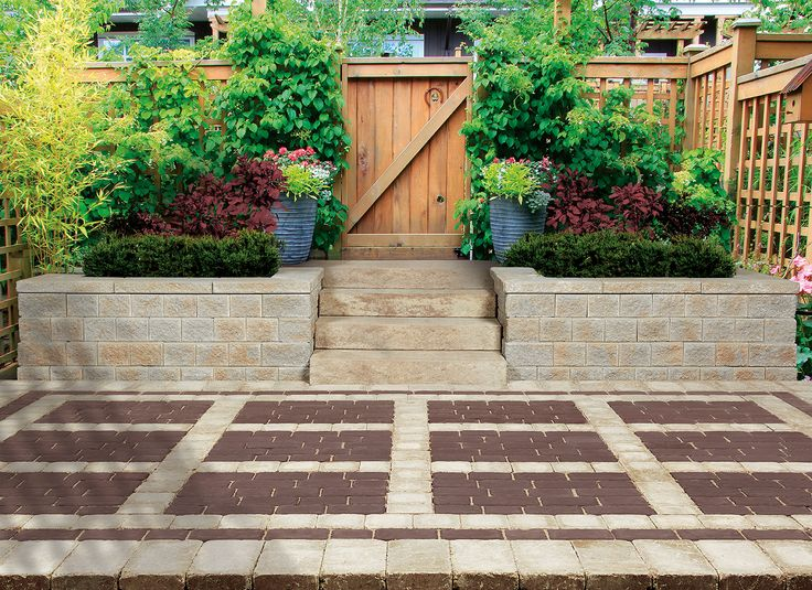 A modern step system with dimensions to maximize stability while balancing elegance and comfort, manufactured with a choice of smooth or textured finish.
