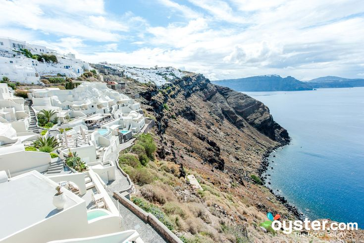 We recently spent 16 unforgettable days on the world famous Greek island of Santorini. Read on to learn from our mistakes before your visit.
