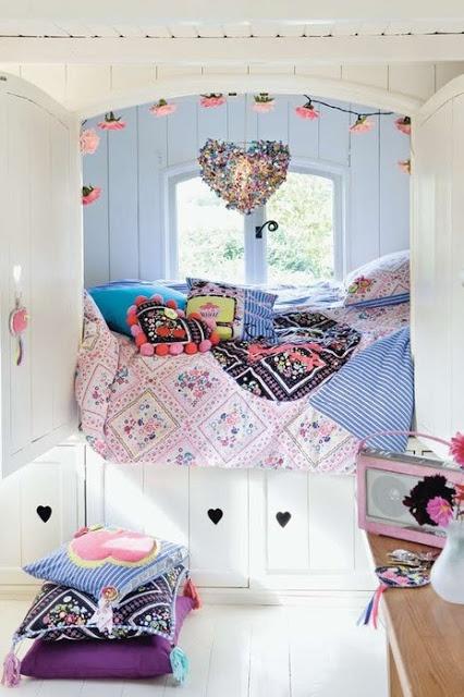 Delightful gypsy caravan interior, the epitome of pretty . . .