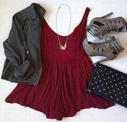Outfit # 549- vestido patinador marrón (objetivo, $ 29.99) - la chaqueta tachonada negro (boohoo, $ 20.00) - corte marrón cabo talones ata para arriba (mirada diaria, $ 44.99) - negro y oro del embrague tachonado (chicnova, $ 16.65) - collar de pájaro largo del oro (boohoo, 8,00 dólares) precio total atuendo: $ 119.63