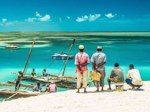 Typické ráno rybářů na Zanzibaru. Krásné barevné ráno i vám. Autor: Jiří Jimel; Fotoaparát: Olympus OM-D E-M5 Mark II; Objektiv: M.Zuiko 12-40 mm 1:2.8 PRO #olympus #olympusomd #em5markii #mzuiko #mzuiko1240mm #omdrevolution #olympusinspired #mujolympus #zanzibar #colours #bluesea via Olympus on Instagram - #photographer #photography #photo #instapic #instagram #photofreak #photolover #nikon #canon #leica #hasselblad #polaroid #shutterbug #camera #dslr #visualarts #inspiration #artistic…