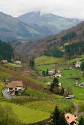 Un desfiladero cerca de la aldea de Alquiza, País Vasco