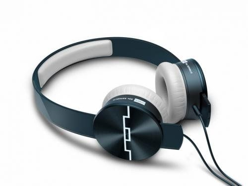 SOL REPUBLIC Tracks Ultra On-Ear Headphones with Remote and Mic (Blue) SOL REPUBLIC http://www.amazon.com/dp/B008DWJ2WE/ref=cm_sw_r_pi_dp_Zo0rub1PNFE1J