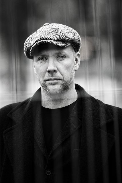 Mikael Persbrandt on Flickr.Den svenske skuespiller Mikael Persbrandt bag et trådhegn på Kgs. Nytorv