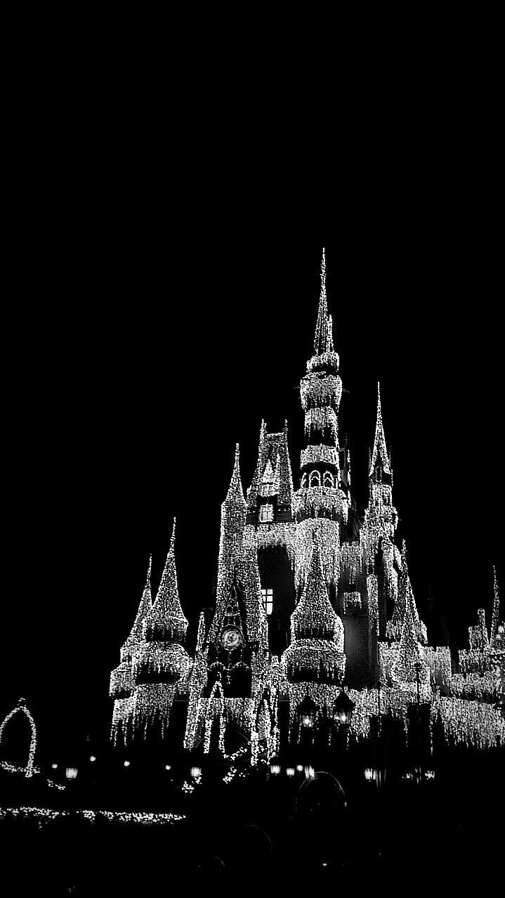 Cool Black And White Photo Of The Castle At Christmas Black And White Photo Wall Black Aesthetic Wallpaper White Aesthetic Photography