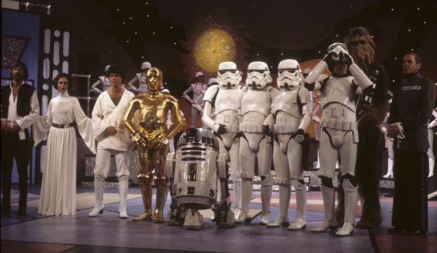 Hicimos una recopilacin de esos momentos bochornosos en los que no sabemos qu estaba pensando George Lucas. Ni modo no todo es armona en la Fuerza.