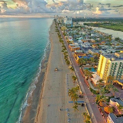 Aerial shot of the Hollywood Beach Boardwalk. :@discover.florida Tag #PureFlorida and @PureFlorida to share!
