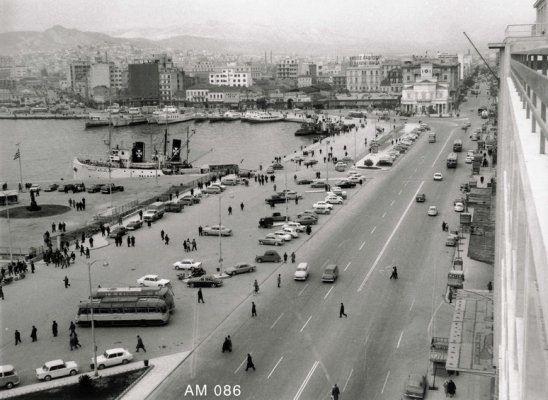 Peiraeus port in 1960