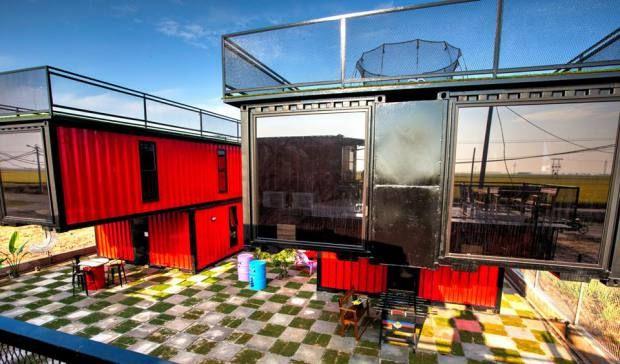 container-hotel-farm-ville-homestay-sekinchan