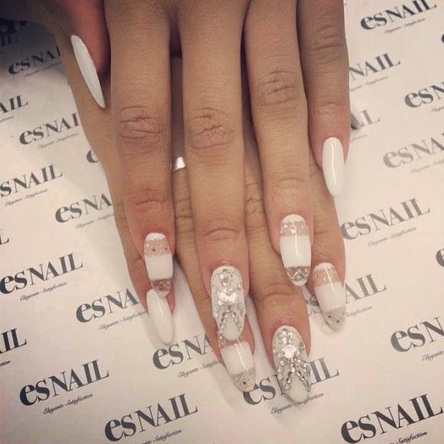 Zendaya's nails :) by ahomiho_esnail