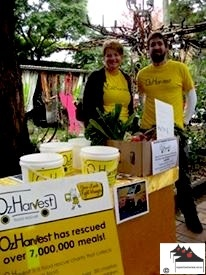 Brooke & Luke superstar #ozharvest volunteers @ #marrickville #organic #markets