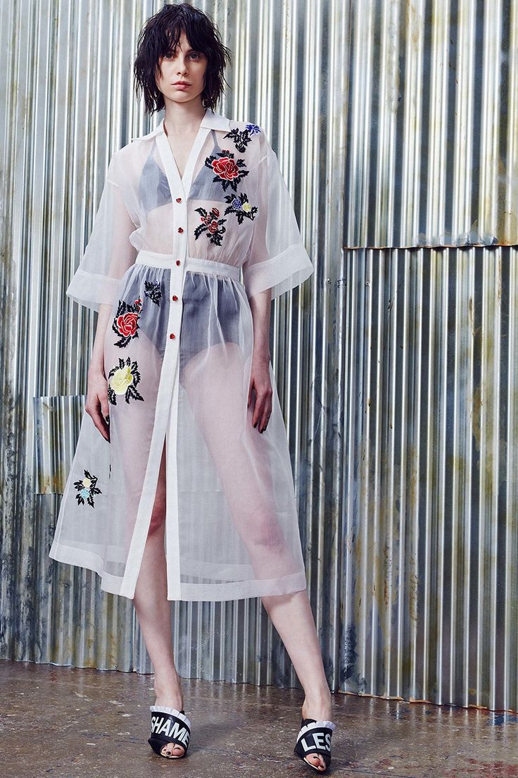 Catwalk photos and all the looks from House Of Holland - Pre Spring/Summer 2017
