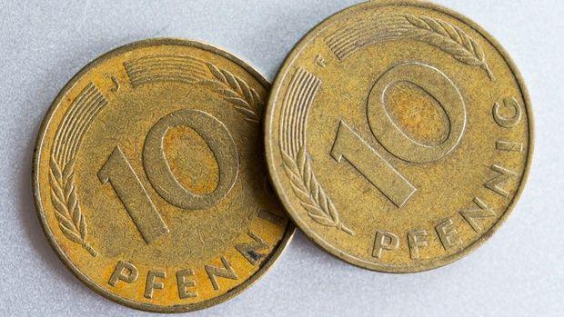 Zwei Zehn-Pfennig-Stücke