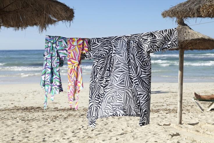 Η νέα, limited edition, συλλογή υφασμάτων MYRLILJA περιλαμβάνει και υπέροχα φορέματα παραλίας…