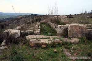 Gonnosnò - tomba dei giganti is Lapideddas