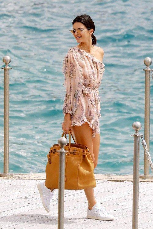 kengiupdatesdaily: May 22 2017 Kendall leaving Hotel du