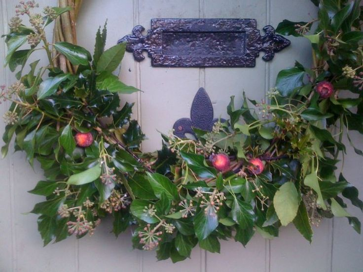 Natural Christmas Wreath Making Workshop in Rochdale & Bury - Creative Classes