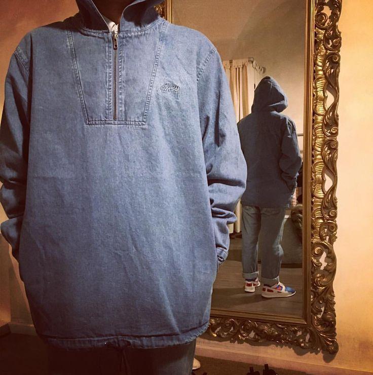 Questa meravigliosa Stussy Popover Jacket in denim con tag e big logo posteriore ricamato, half zip e culisse sul fondo è disponibile in store per lo stile al superiore. Killer clothes by #Stussy  #popoverjacket #stussyclothes #tag #ricamo #denim #halfzip #jacket #denimjacket #menswear #streetwear #streetfashion #menstyle #doubles #shawnstussy #killerclothes #swag #clothes #shoelosophy