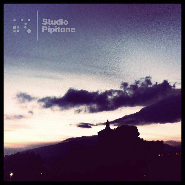 #Viste dalla #finestra dello #studio. #Views from the #studio #window. #instasunset #sunset