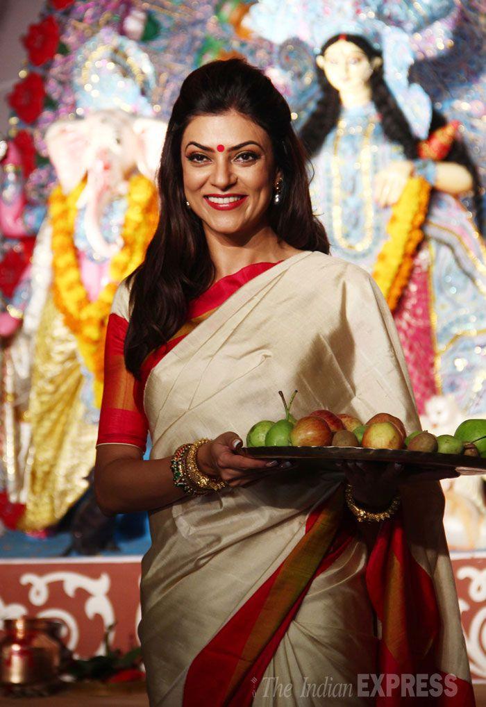 Sushmita Sen carrying fruits as an offering at a puja pandal in suburban Mumbai to celebrate Durga Puja.