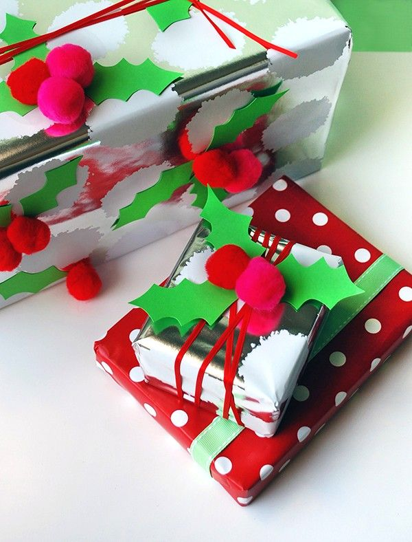 How to make christmas gift wrap with pom pom holly gifts for Make your own christmas gift baskets
