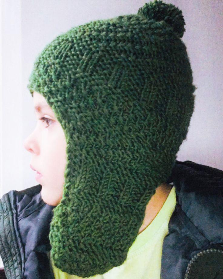 7 отметок «Нравится», 1 комментариев — Евгения Колосова (@e.kolosova_knitting) в Instagram: «Получился классный комплект для сына. Цвет заказчик выбирал сам))) Шапка застегивается под…»
