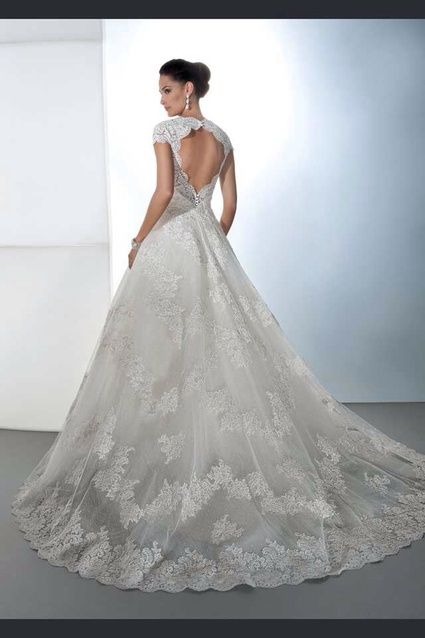 Robe de mariée Demetrios - Paris