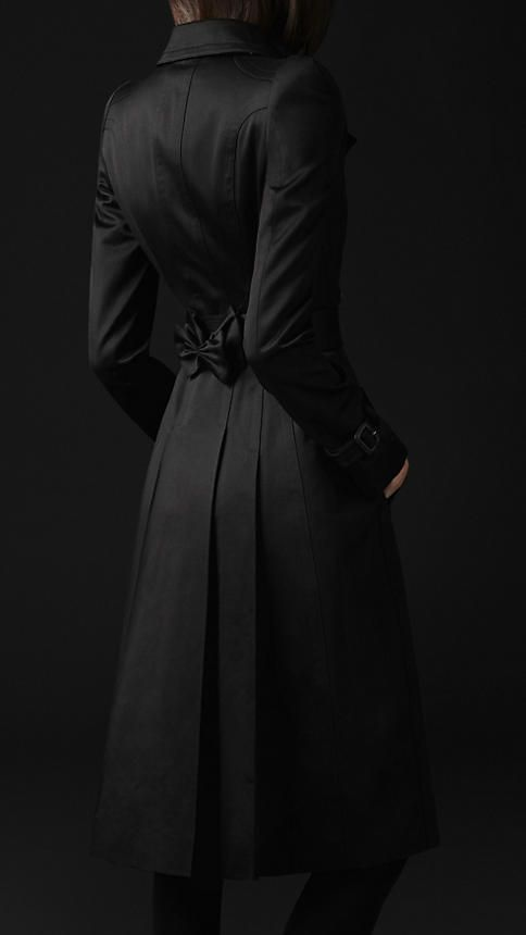 Burberry - COTTON SATEEN BOW DETAIL TRENCH COAT: Black Coats, Rain Coats, Burberry Jackets, Burberry Classic, Burberry Coats, Black Trench, Burberry Trenchcoat, Trench Coats, Winter Coats