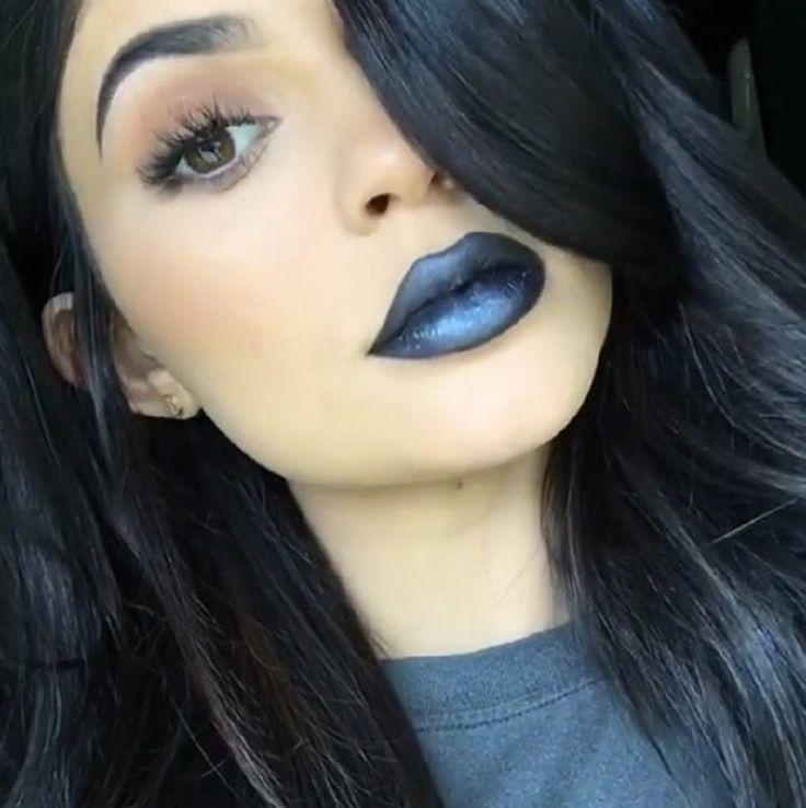 Los labios negros son tendencia, descubre cómo llevarlos #consejosdemaquillaje #maquillajeprofesional