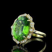 membuatkan perhiasan yang anda butuhkan dari mulai memilih design sampai dengan pembuatan, macam macam perhiasan seperti : 1. cincin kawin palladium, emas, platina dan perak 2. liontin 3. kalung 4. gelang 5. bros 6. anting 7. giwang dan semuanya dengan model yang anda inginkan