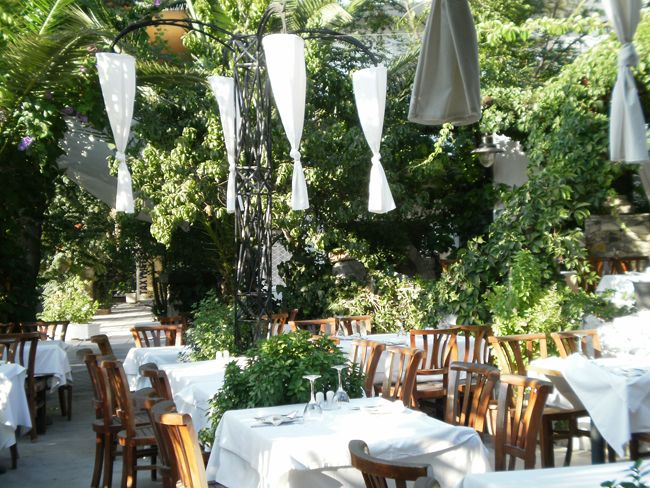 Looking for somewhere Romantic with a fine selection of Greek cuisine then try Petrinos in Old Town Kos.http://www.kosexplorer.com/place/petrinos-restaurant/