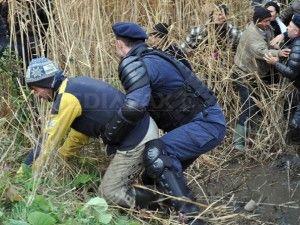 Astăzi la Pungești, mâine-n București. http://inforor.com/astazi-la-pungesti-maine-n-bucuresti-au-aprins-fitilul-5-decembrie-bate-la-usa-puterii/