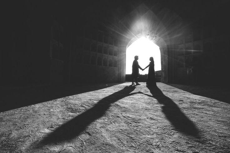 🎀 Photo by Kishor Krishnamoorthi, Secunderabad #weddingnet#wedding #india #indian #indianwedding#weddingdresses#lehengasaree #saree #bridalsaree#weddingsaree#indianweddingoutfits #outfits #couple #sky#mountains #catched