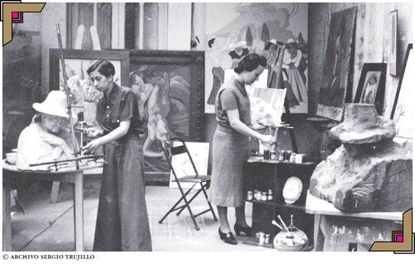 Hena Rodríguez y Carolina Cárdenas, artistas plásticas de los 30's.