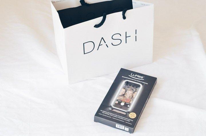 Já que estava em Los Angeles, visitamos a Dash, loja das Kardashians e acabei comprando a case LuMee (a capinha com luz para tirar selfies)! Olha só: http://goo.gl/Y5LZ1C