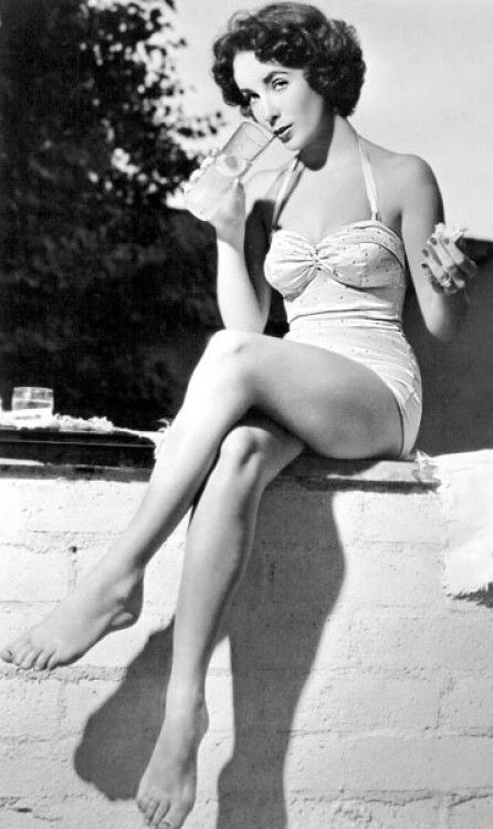 Vintage swim - Well, my lovely mother gets a suit like this for her birthday this year! She kind of looks like Liz too, she's so beautiful.