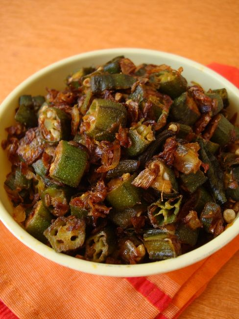 Okra fry (Andhra style) http://www.sailusfood.com/2012/04/24/okra-fry-recipe-andhra-style/