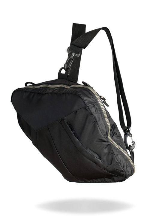 The bag is also a backpack! #bag #jacket #backpack #multifunctional #products #design #transformation