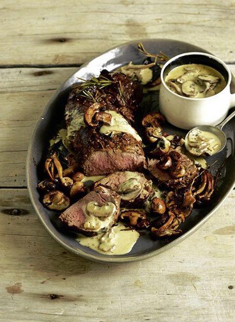 Beef fillet with creamy mushroom sauce - Reuben Riffel