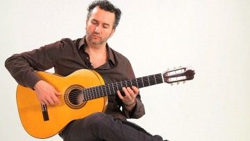 How to Hold a Flamenco Guitar and Proper Hand Position
