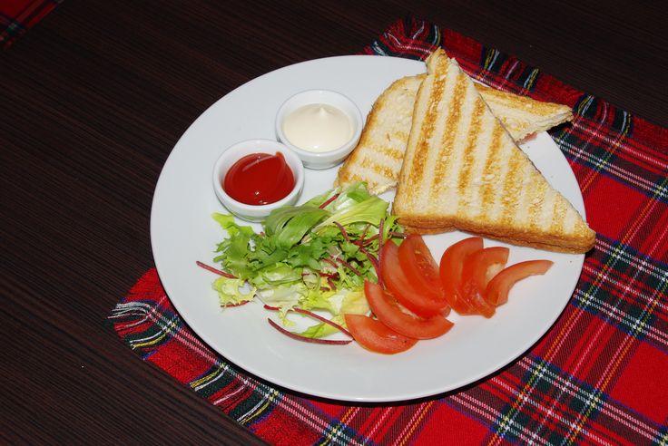 sonkás-sajtos toast