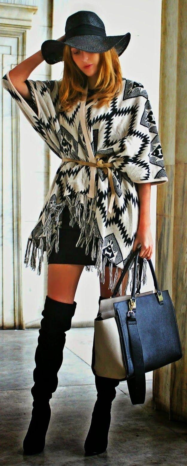 Amei esse look com kimono e botas over the knee preta