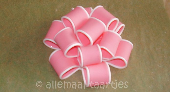 strik in suikerpasta - how to fondant ribbon