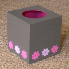 Boite à mouchoirs carrée en bois mastic, fleurs roses