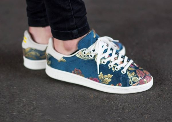 new product dca1c 13b49 Adidas Stan Smith Jacquard par Pharrell Williams (Chalk White)