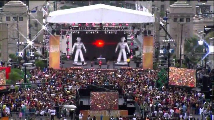 FLASH MOB Black Eyed Peas I Gotta Feeling Chicago.mp4