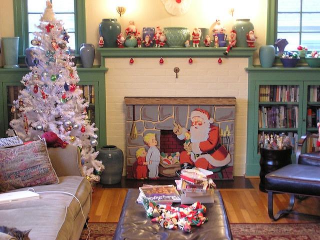 I Love The Vintage Fireplace Insert. Vintage Christmas Decorating ...
