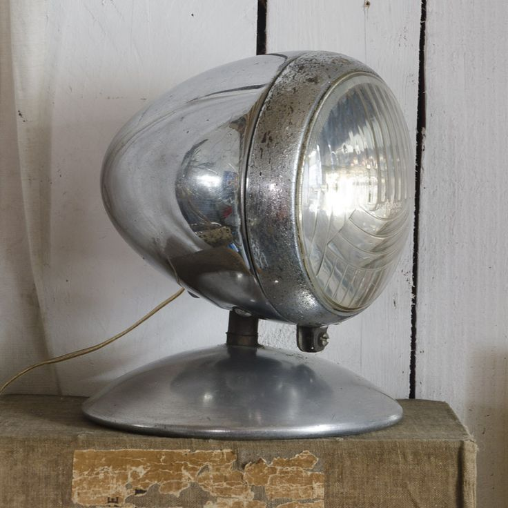 #Lampe phare « La Bruyère. www.brocantedelabruyere.com