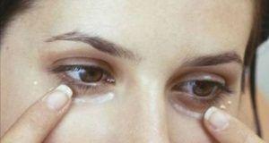 Des millions de femmes appliquent cette crème miracle sous leurs yeux – le résultat vous laissera sans voix !