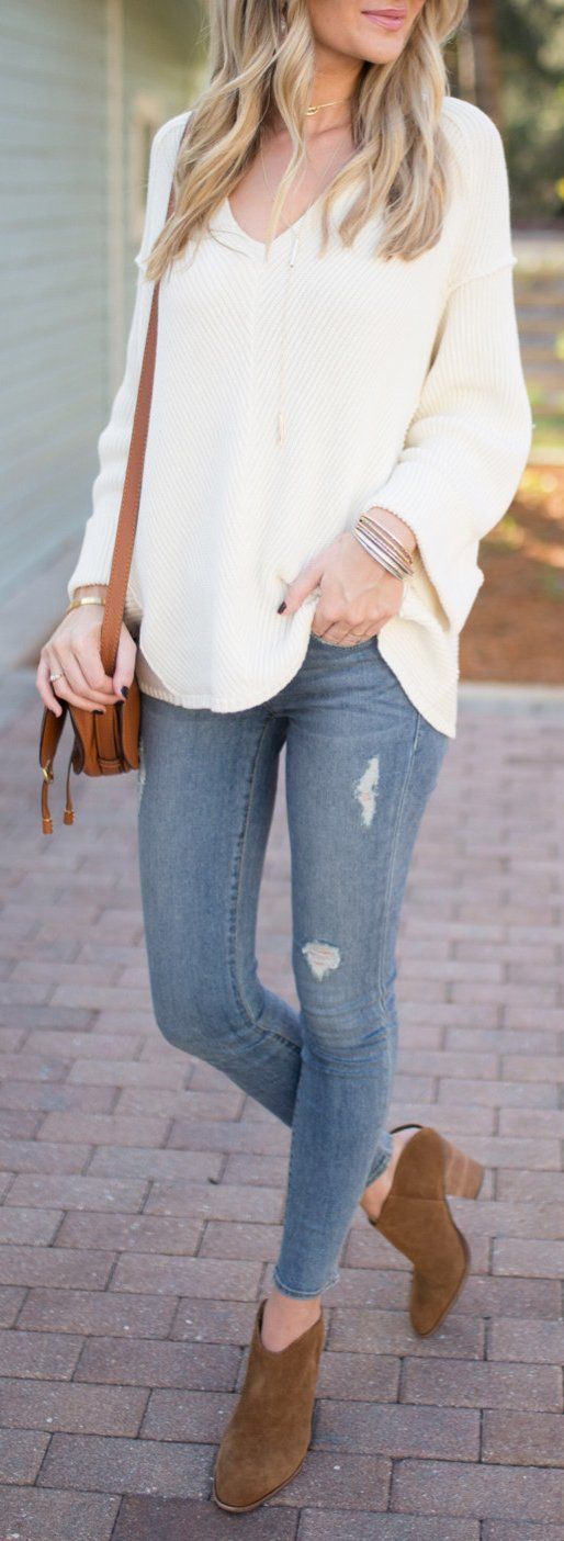 White Knit / Ripped Skinny Jeans /brown Suede Booties / Brown Leather Shoulder BagFree People La Brea V-Neck Sweater Color:Coral ,Green ,Grey ,Ivory ,White  Trending Summer Spring Fashion Outfit to Try This 2017 Great for Wedding,casual,Flowy,Black,Maxi,